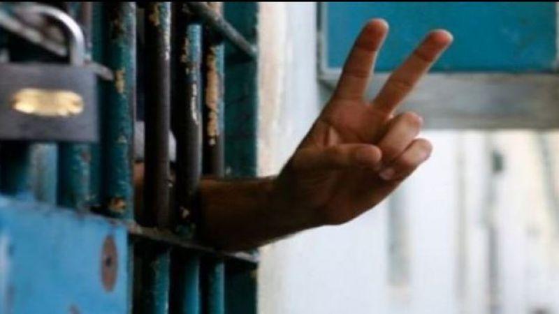 دفعة من الأسرى الفلسطينيين بسجون الاحتلال تنضم للاضراب المفتوح عن الطعام