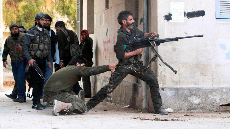 """تركيا درّبت فصائل مسلحة في سوريا على """"عمليات خاصة"""""""