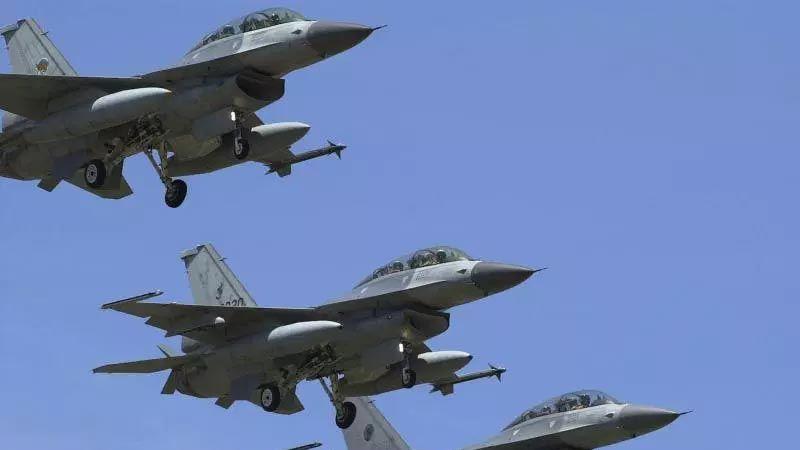 """""""فورين بوليسي"""": الهدنة بين الصين والولايات المتحدة مؤقتة"""