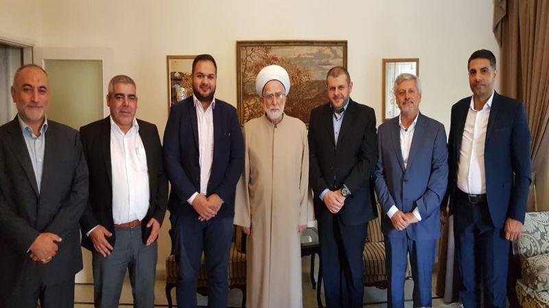 بالصور.. وفد من حزب الله يهنئ فعاليات صيدا بالعيد ويزور روضات شهداء المقاومة في جبانة المدينة