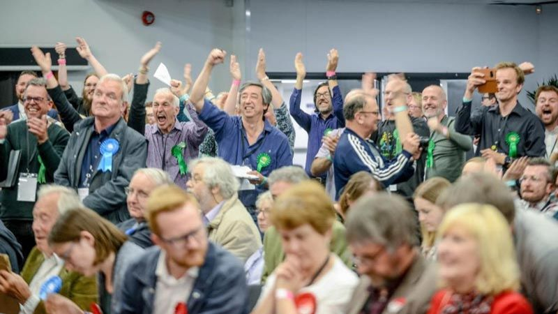 """أزمة """"بريكست"""" تطيح بأكبر حزبين بريطانيين في الانتخابات المحلية"""