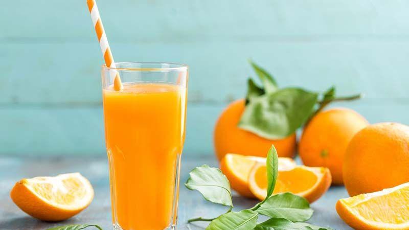 عصير البرتقال يحمي الرجال من الخرف