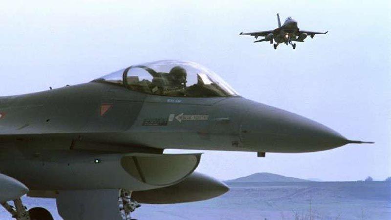 """طائرات """"F-16"""" عراقية تستهدف الإرهابيين داخل سوريا"""