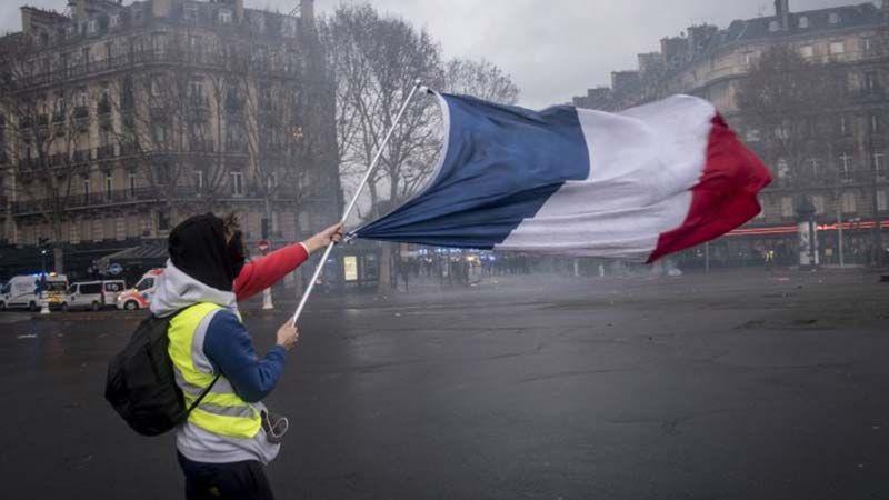 """""""السترات الصفراء"""" تحشد لمظاهرات جديدة في باريس"""