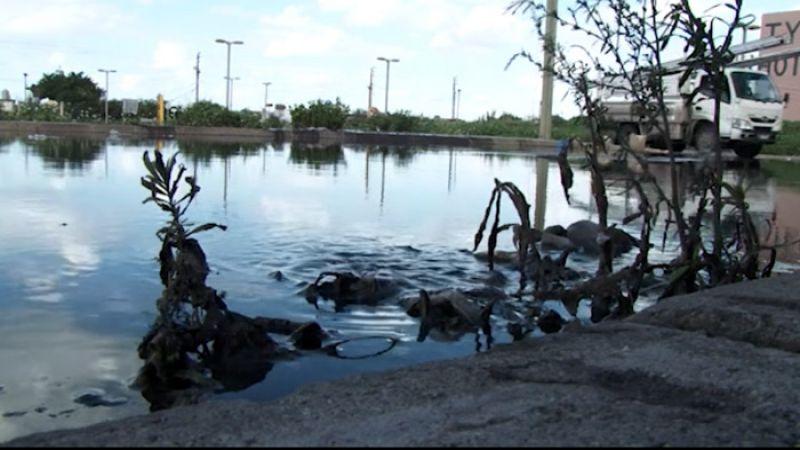 بالفيديو: بعد جويا ووادي جيلو .. طوفان مياه الصرف الصحي في جل البحر