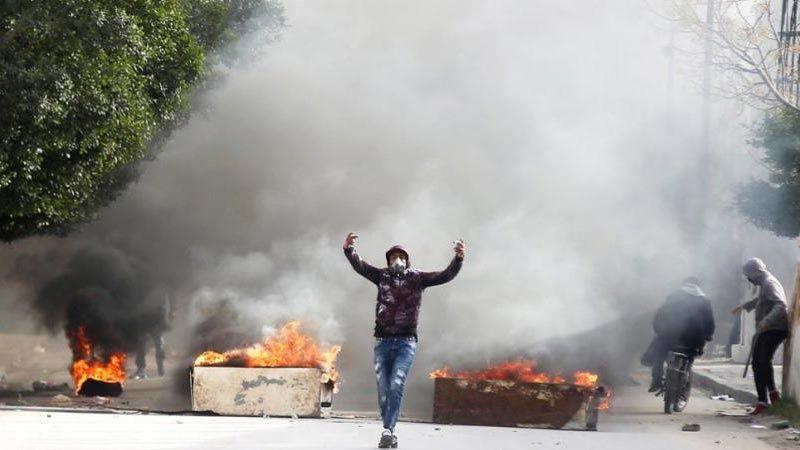 تونس: الاحتجاجات تتسع والداخلية تحذر من انتشار الفوضى