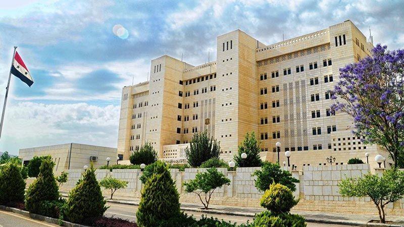 """الإمارات تُعيد فتح سفارتها في دمشق وتصف سوريا بـ""""الشقيقة"""""""