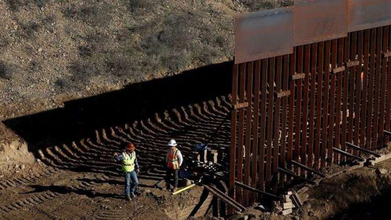 """الخلاف حول """"جدار المكسيك"""" متواصل.. وترامب لا يستبعد إقفال الحدود"""