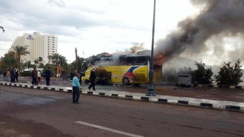 مقتل 3 أشخاص جراء انفجار عبوة ناسفة استهدف حافلة بمصر
