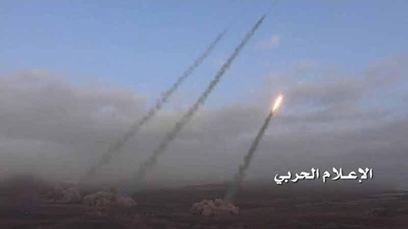 """الجيش اليمني يطلق 8 صواريخ """"زلزال 1 """"على مواقع سعودية في جيزان"""