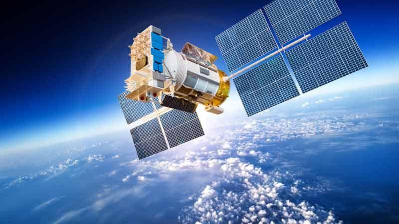 قمر إيراني صناعي إلى الفضاء قريبًا