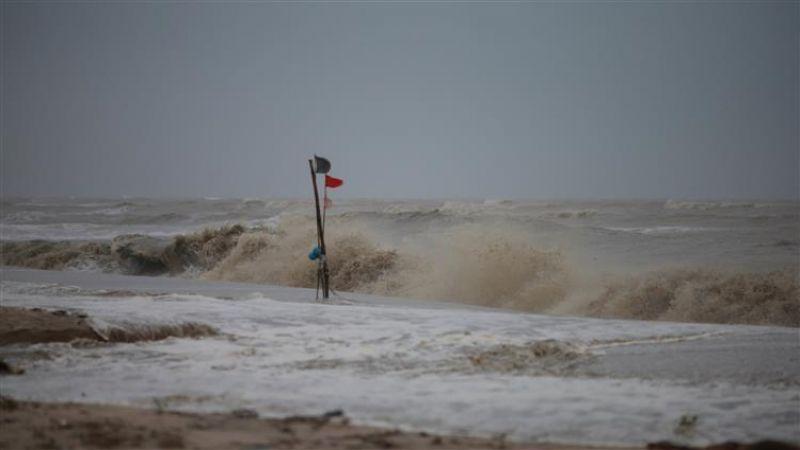 انجرافات في التربة وارتفاع بمنسوب الانهر .. لليوم الثالث الجنوب تحت تأثير العاصفة