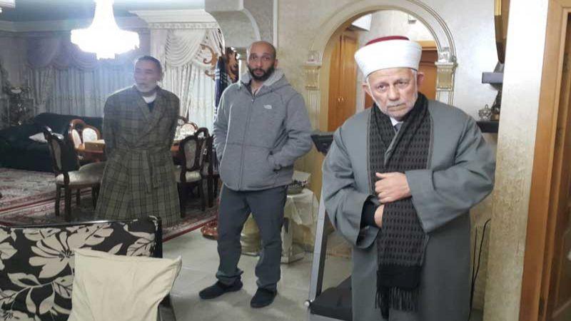 الاحتلال يعتقل رئيس مجلس الاوقاف في القدس ونائبه ويقرر ابعادهما 7 أيام عن الأقصى
