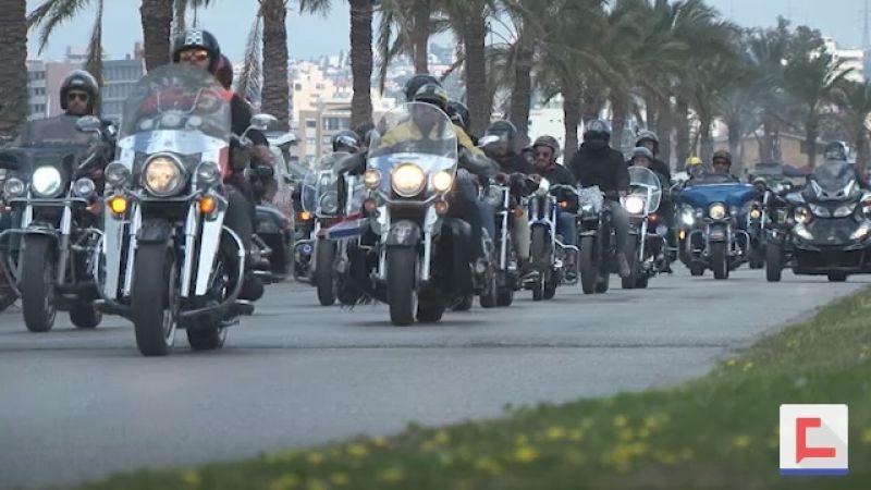 بالفيديو: مئات الدراجات النارية تجتاح مدينة صور .. ما القصة؟