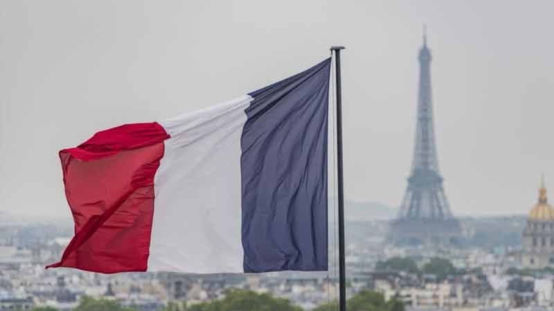 فرنسا تطلب من مسؤولي المساجد ضرورة توخي الحذر