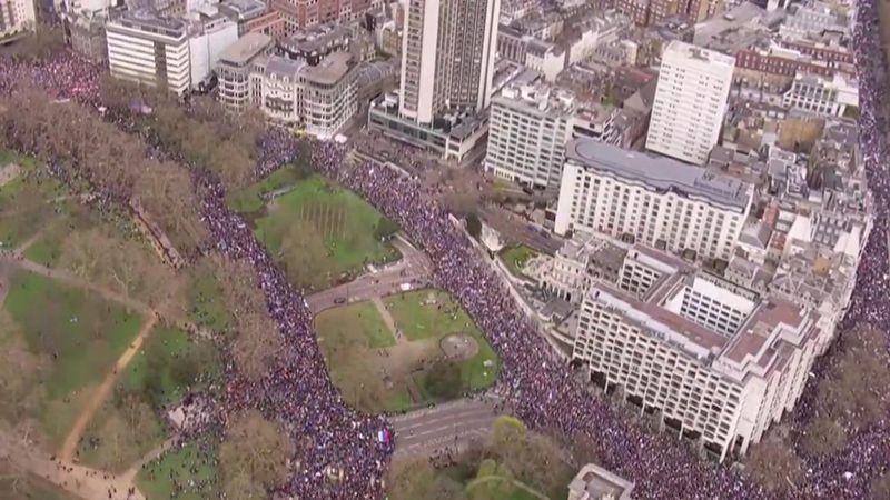 تظاهرات حاشدة في لندن رفضًا لمغادرة الاتحاد الأوروبي