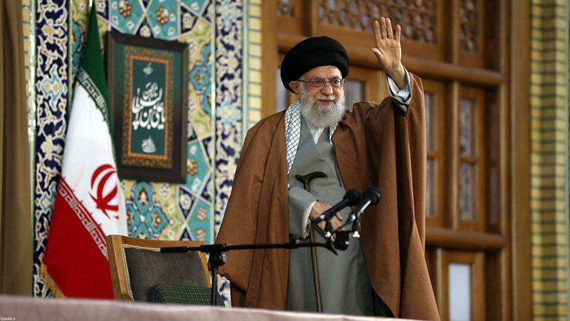 الإمام الخامنئي يؤكد ضرورة إغاثة منكوبي السيول شمال إيران