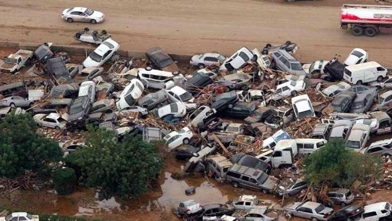 روحاني يدعو لاجتماع طارئ لمواجهة الفيضانات