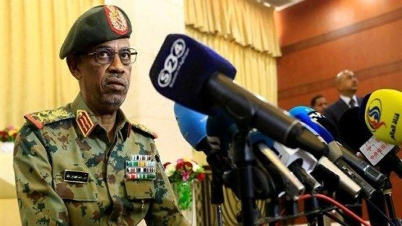 السودان: ابن عوف يتنحى وتجمّع المهنيين السودانيين يرحّب
