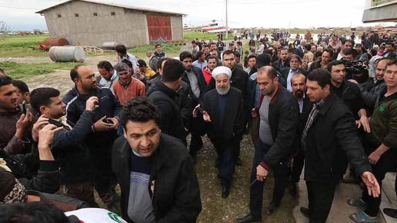 الرئيس روحاني يتفقّد المناطق المنكوبة بالسيول