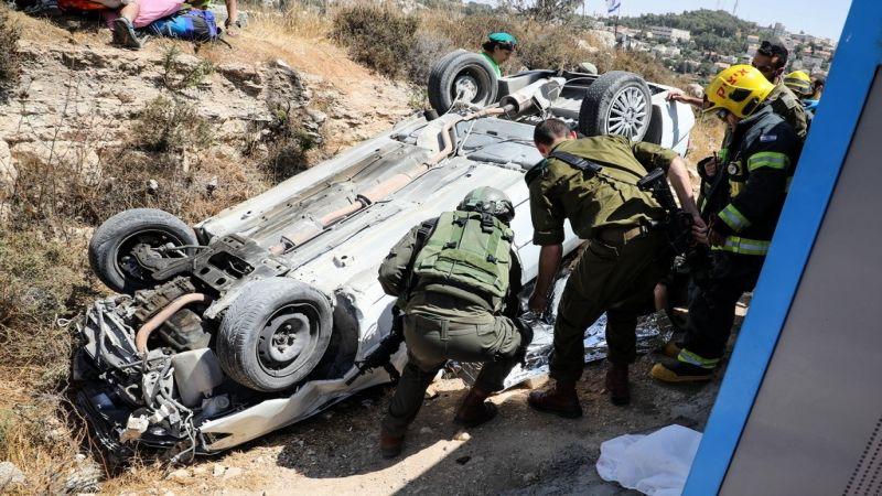 استشهاد فلسطيني وإصابة صهيونيين في عملية دهس قرب غوش عتصيون