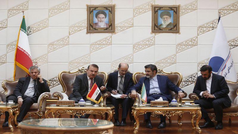 العراق وإيران يوقعان على مذكرة تفاهم تقضي بإلغاء تأشيرات الدخول بين البلدين