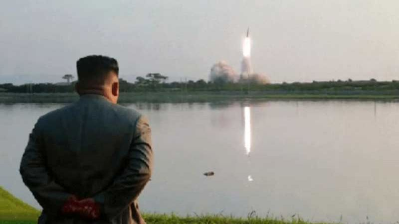 كيم جونغ أون أشرف على تجربة صاروخية جديدة