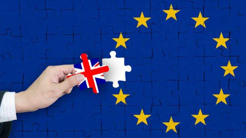 """""""صنداي تايمز"""" تنشر وثائق حكومية مسربة حول مصير بريطانيا بعد """"بريكست""""!"""