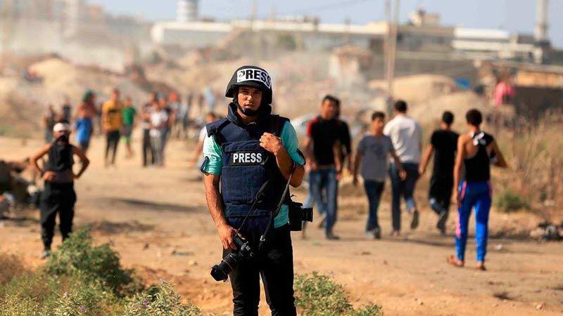 144 مصورا صحفيا فلسطينيا تعرضوا لانتهاكات العدو