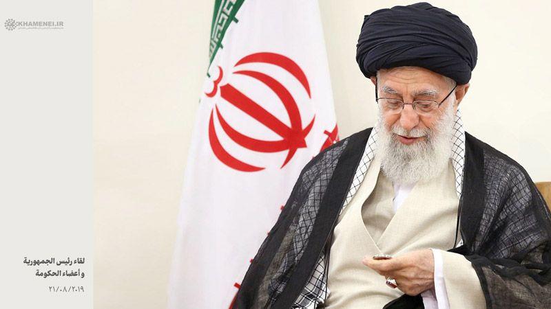 الإمام الخامنئي: العقود الأربعة المقبلة ستكون أفضل لنا وأكثر سوءا للأعداء