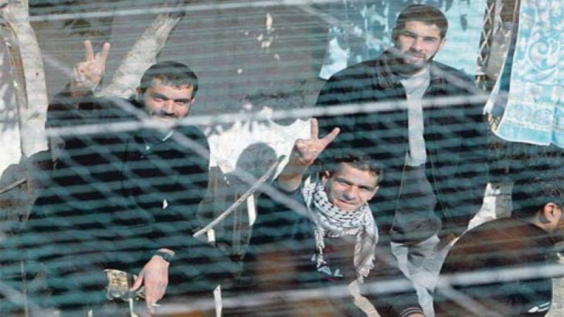 انضمام أسيرين الى قافلة الاسرى المضربين عن الطعام في السجون الصهيونية