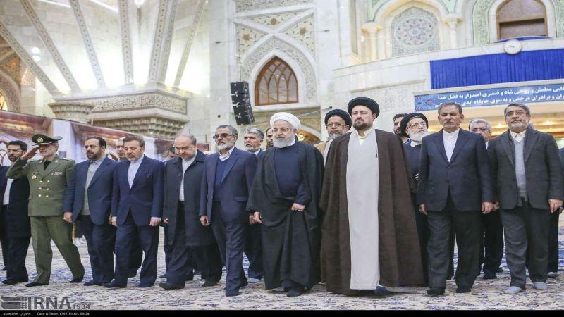 """روحاني خلال زيارته مرقد الإمام الخميني """"قده"""": سنجعل العدو ييأس من تحقيق أهدافه"""