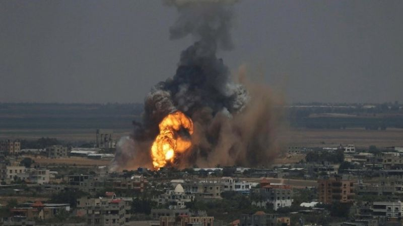 طائرات العدو تقصف موقعًا للمقاومة الفلسطينية في غزة