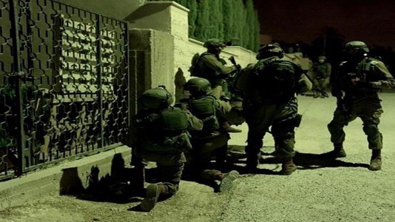الاحتلال يعتقل 20 فلسطينيًا في الضفة الغربية