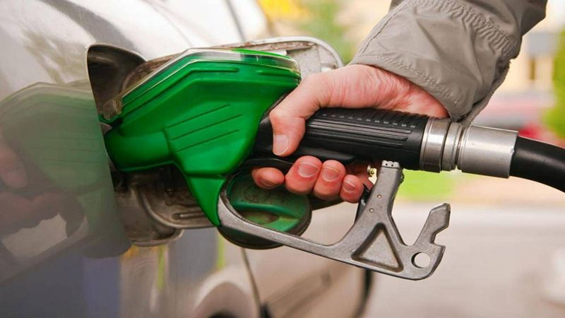صفيحة البنزين بحديها الأدنى والأقصى.. اقتراح واقعي أم مخاطرة؟