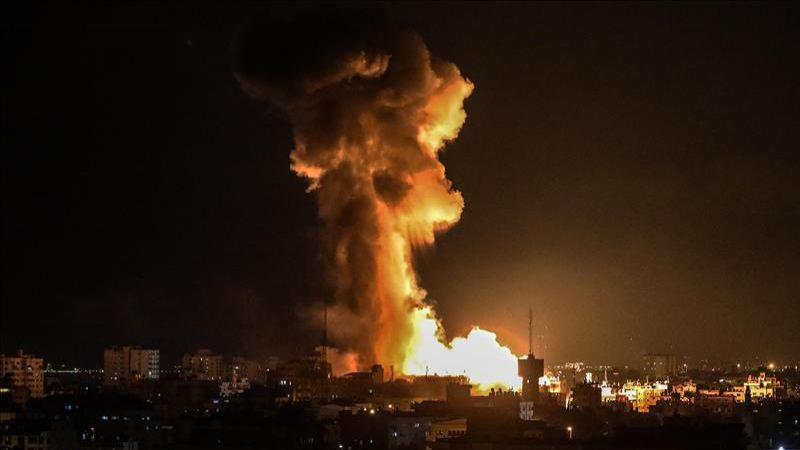 طائرات العدو تشن سلسلة غارات على قطاع غزة فجر اليوم