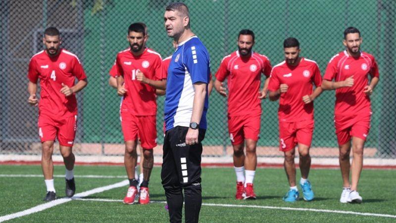 المنتخب الوطني يستعد لمواجهة عمان بغياب المعتوق