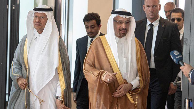 ابن سلمان الفاشل في خطته الاقتصادية يقيل وزير الطاقة