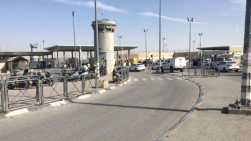 استشهاد فلسطينية على حاجز قلنديا بعد إعدامها من قبل قوات الاحتلال