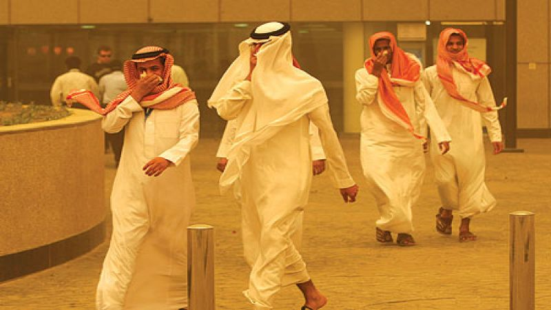 """""""دولة الخوف"""" .. صفارات الإنذار وملاجئ في السعودية"""