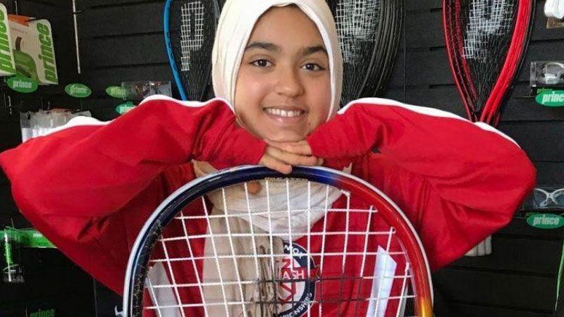 شركة طيران كندية تجبر فتاة مسلمة على خلع حجابها
