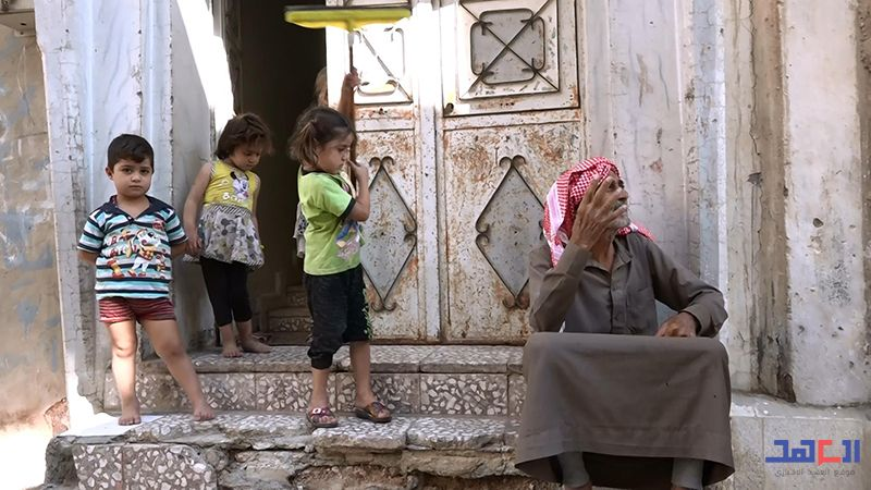 """موقع """"العهد"""" يلتقي الأهالي الخارجين من مخيم الركبان: تَرَكْنا الجحيم وراءنا"""