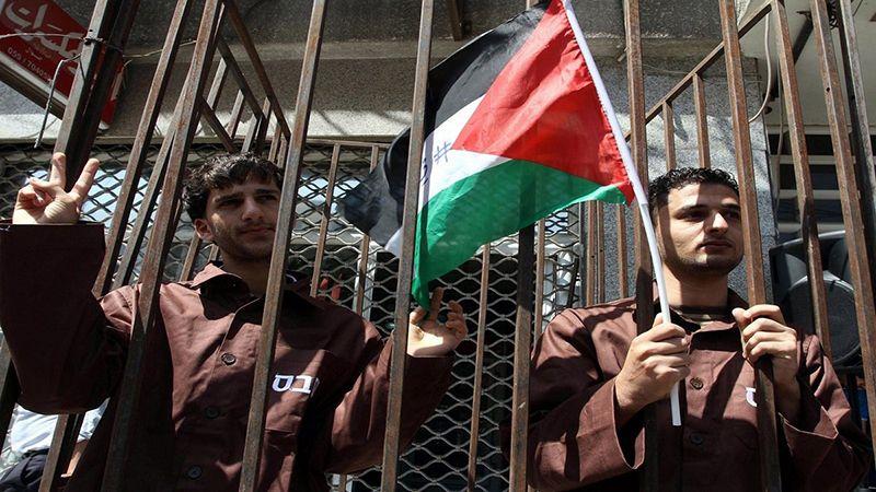 الأسرى الفلسطينيون يواصلون الإضراب رفضاً لأجهزة التشويش