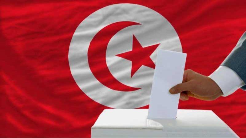 الإنتخابات النيابية في تونس: نسب إقبال دون المأمول واستطلاعات ترشح حزب القروي في الصدارة