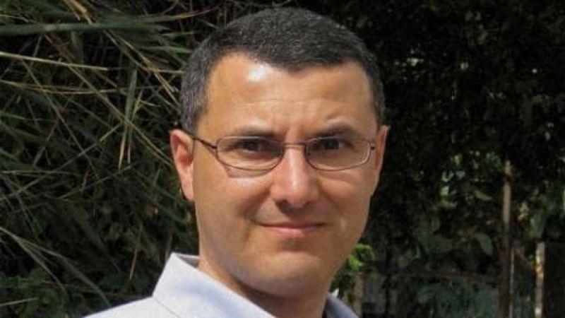"""الاحتلال يدرس سحب الإقامة من مؤسس """"BDS"""" عمر البرغوثي"""