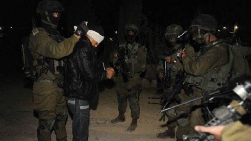 الاحتلال يعتقل 17 فلسطينيًا من الخليل