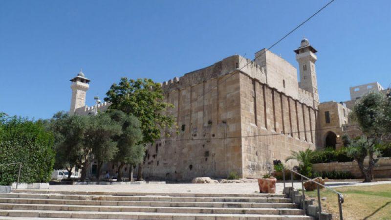 الأوقاف الفلسطينية: الاحتلال منع رفع الآذان في المسجد الإبراهيمي 78 مرة خلال تشرين الاول