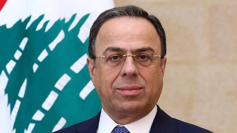 وزير الاقتصاد يعلن أن تسعير السلع بالليرة اللبنانية حصرًا