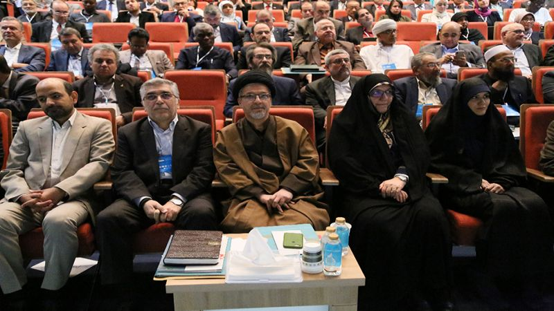 انطلاق أعمال جائزة المصطفی(ص) في طهران بدورتها الثالثة
