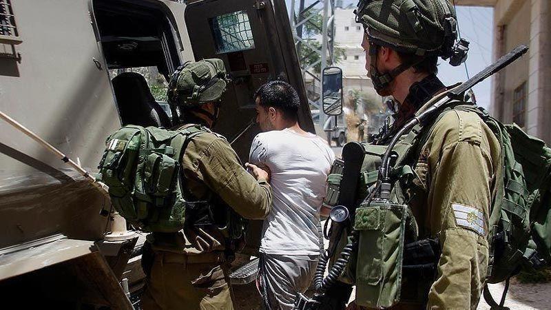 الاحتلال يعتقل فلسطينيين بالضفة